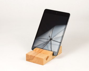 Multi-angle iPad/digital tablet stand in ash