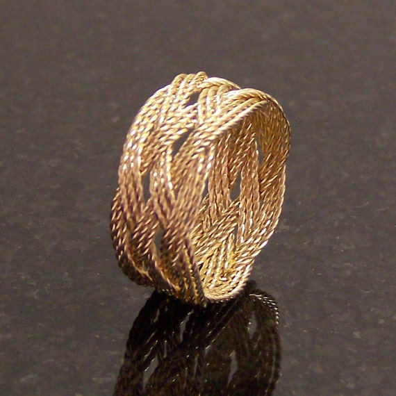 How To Make A Wire Celtic Knot Ring
