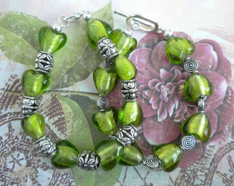 GLASS HEART BEAD bracelet
