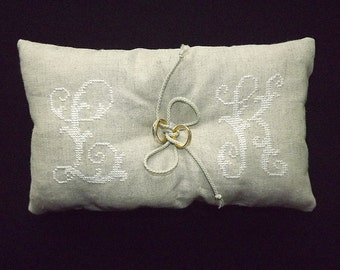 Personalized Linen Ring Bearer Pillow / Customized Ring Pillow / Rustic Wedding