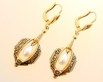 Vintage Victorian Earrings Jewelry Victorian Revival Glass Pearl Gold Toned Dangle Earrings with Leverbacks