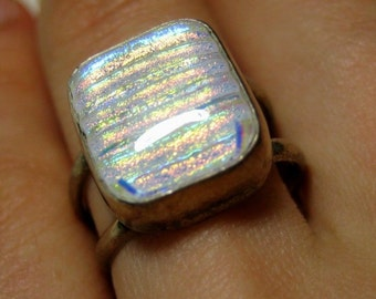 sterling silver Vintage white multicolor Glass Ring, size 7.5