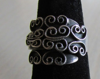 Scroll Work Sterling Silver Ring Size 6       Beau Sterling  B