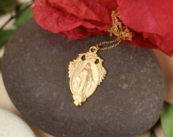 Virgin mary necklace // religious necklace // layering necklace // a 22k gold vermeil virgin mary hanging from a 14k gold vermeil chain