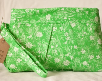 Pleated Clutch with Wristband - Green & White Flower Print