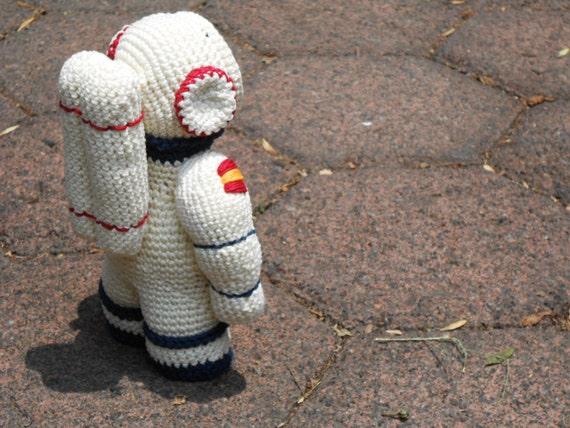 astronaut crochet - photo #5