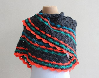 "Grey shawl, model ""Southbay"", colourful edge"