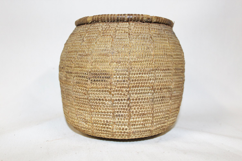 Old Handmade Baskets : Vintage basket handmade omani bedouin lidded