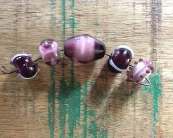 Set of 5 complimentary purple lampwork beads