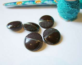 SALE Collection Vintage Brown Buttons x 5