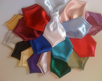 Baby size wedding cravat ,pre tied scrunchie style.Bridal satin velcro neck fastening ,ideal for wedding ,christenings.Fits from 9 months.
