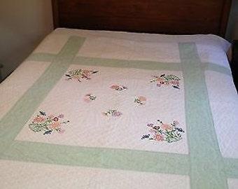 Vintage appliqué quilt