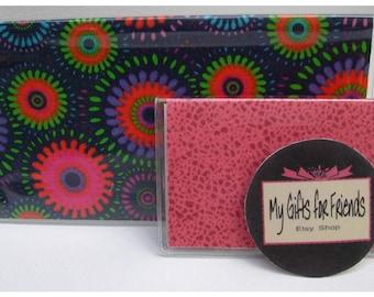 Pinwheel Flowers Vinyl Checkbook Cover with Pink ID Holder & Magnet
