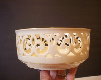 Vintage Lenox Brittany Tracery Bowl, Ivory with 24 Kt. China, 1980's (C013)