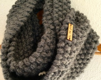 Chunky Textured Cowl Infinity Scarf / THE  DESCHUTES / gray