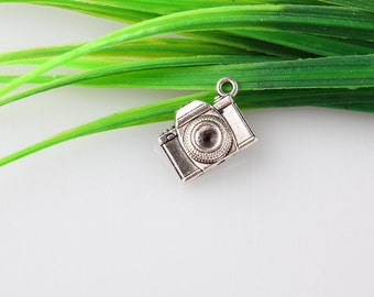 Wholesale~s Antique Silver Camera Charms Pendant  Camera Charm jewelry connector pendant 8x15x20mm B423