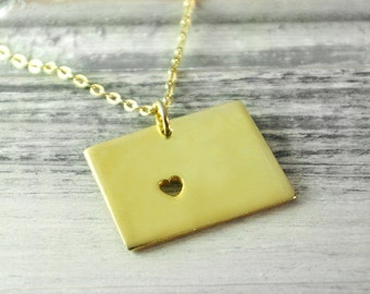 I  heart  Wyoming Necklace Wyoming pendant 18K gold plated state necklace state pendant map pendant hammered state necklace map jewelry