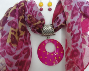 Scarf Pendant Set in Pinks & Yellow