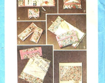 Simplicity 7735 ACCESSORIES Lingerie Bag, Tissue Case, Eyeglass Case, Sewing Kit, Hosiery Case, Jewelry Case