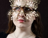 Lacy Leaf Mask for Eyeglasses in Gold Leather