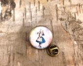"""Alice in Wonderland """"Drink me"""" pin - Vintage lapel round badge tack - Antique Bronze  - Pen and ink illustration - John Tenniel"""