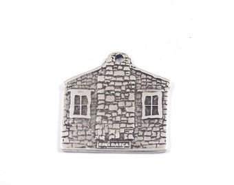 1pc - Matte Silver plated My HOME, house pendant-35x40mm-(423-004SP)