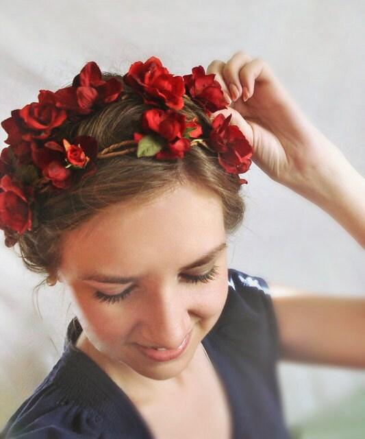 fleur rouge couronne accessoires cheveux mariage postiche. Black Bedroom Furniture Sets. Home Design Ideas