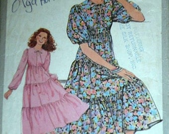 Vintage 1970's Simplicity 8383 Sewing Pattern, Misses' Dress, Size 10, Bust 32 1/2