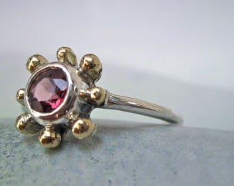 Stunning gemstone ring - Red Spinel Sunburst design ring -  handmade in sterling silver with 18k gold accent spheres - size 6 - 6 1/2