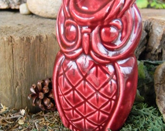 Ceramic Owl  Decorations burgundy