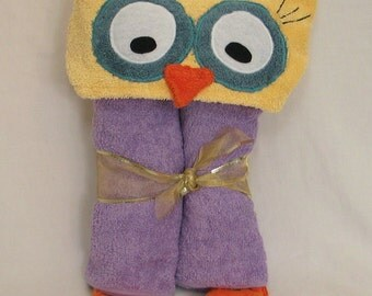 PERSONALIZED Purple OWL hooded bath towel - Great for baby toddler and child