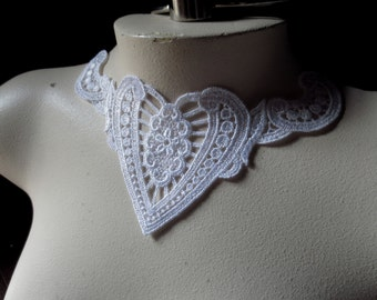 White Lace Heart Applique Dyeable for Bridal, Jewelry & Costume Design WA 406