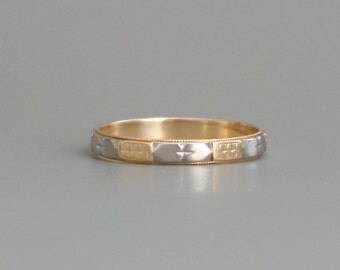 Art Deco Wedding Band. Hearts & Flowers 18K White and Yellow Gold. Stacking Ring.