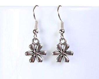 earrings - Silver flower drop earrings dangle earrings (814)