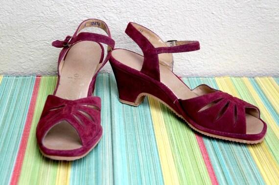 Vintage Suede Sandals / Wedge / Heel