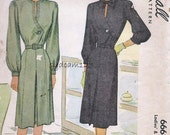 Vintage 1940s Pattern Single Button Dress Collarless or Tie Collar Topstitched Bodice 1946 McCalls 6668 Bust 32