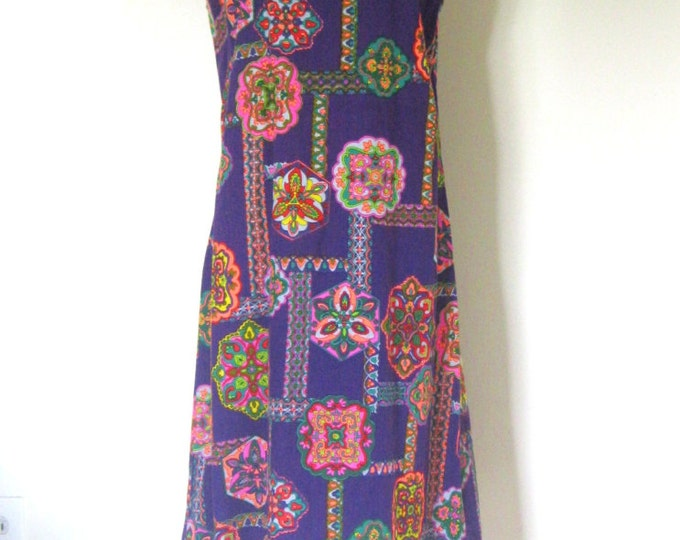 Vintage 60s Psychedelic dress / purple Kaleidoscope Abstract print /  sleeveless sheath Party dress