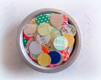 Scallop Circle Paper Confetti Mix / 100 Pieces / Junk Journal / Circle Confetti / Table Confetti