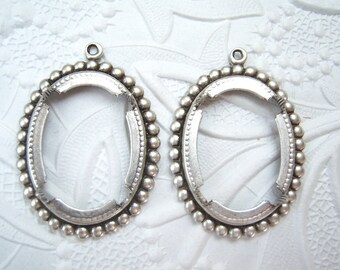 2 - Antiqued silver plated brass 25x18mm beaded edge settings - DU170