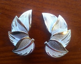Vintage 1960s HUGE Gold Tone & White Leaf Clip On Earrings