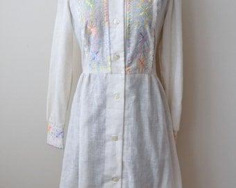 SALE Vintage 70s Cream Cotton Embroidered Toni Todd Boho Dress 30 Inch Waist