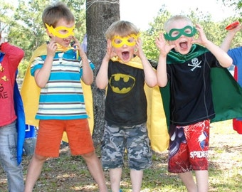 TEN BLANK Childrens Super Hero Cape PLUS Mask Sets - Includes 10 Hero Capes and coordinating Masks - Superhero Party