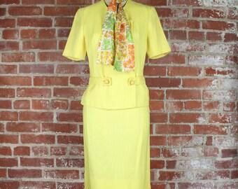 60s Yellow Dress Suit . Retro Mad Men Style . XS