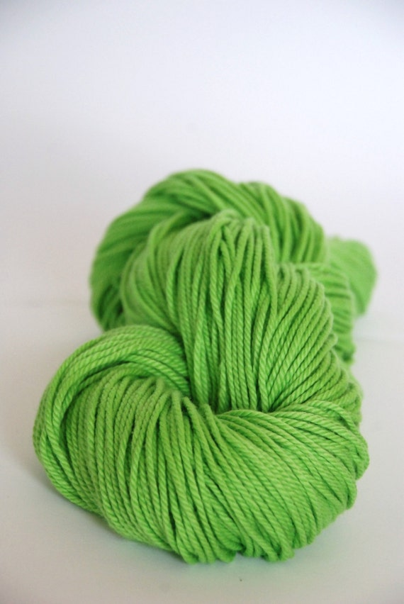 LIGHT SPRING GREEN - Pure Cotton Yarn 100gr color no. 24