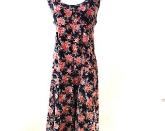 Vintage Black Floral Dress / Velvet Dress / Ditsy Floral Dress / Floral Jumper / Empire Waist Dress M L