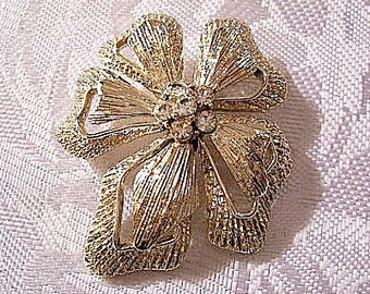 Flower Layered Pin Brooch Gold Tone Vintage Rhinestones Brushed Lined Open Design