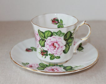 The Provincial Rose, from Romeo and Juliet Teacup