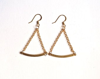 Triangle brass geometric earrings, chain and bar geometry earrings, vintage bars goldtone chains, minimal,triangle, minimaism, gift under 20