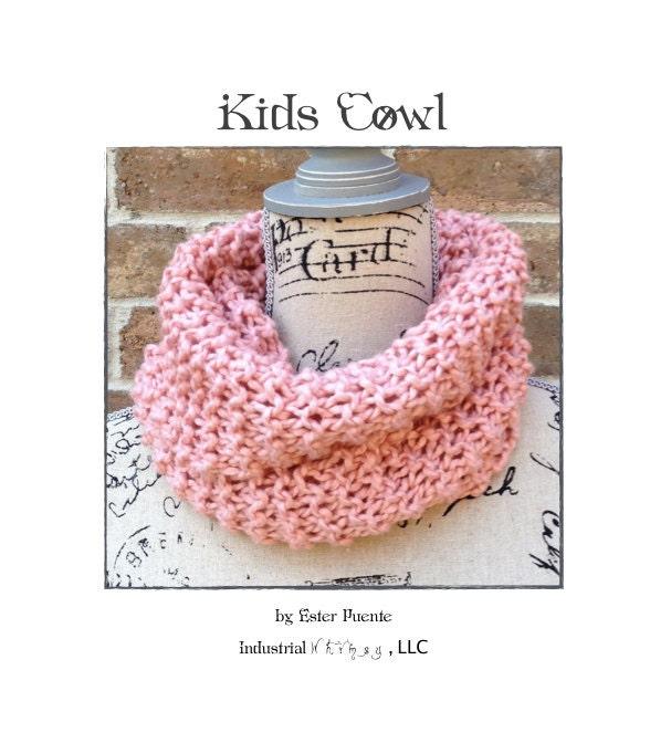 Cowl Knitting Pattern For Beginners : Kids Knit Cowl Pattern Beginner Knitting Pattern Circle