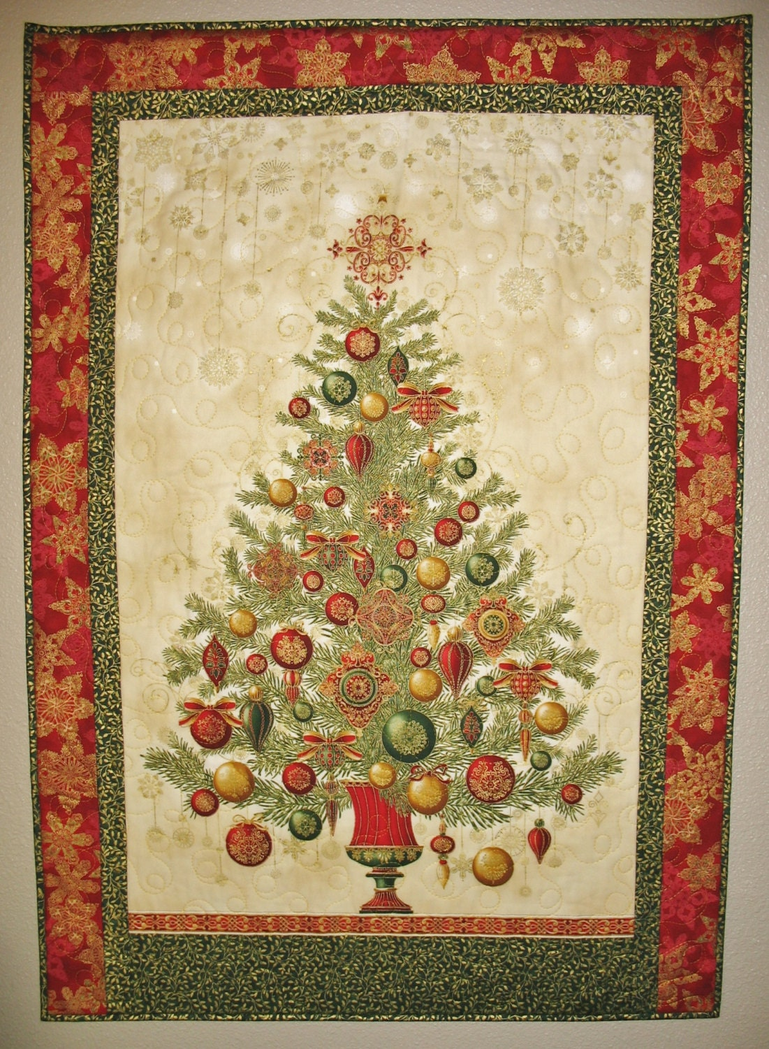 Christmas wall hanging ornamnets gold red green